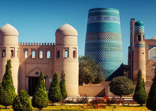 Uzbekistán 18 de Junio